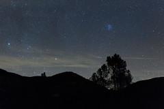 Pleiades Rising Over the Hills (Mike.Sabina) Tags: paicines california unitedstates us pinnaclesnationalpark astrophotography pleiades