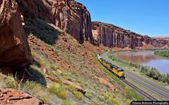 The Potash Turn (jamesbelmont) Tags: slickrock moab utah potash coloradoriver riogrande unionpacific emd gp402 potashturn canecreek