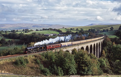 45407 Crossing Smardale Viaduct  21/10/2000 (briandean2) Tags: 45407 smardaleviaduct settlecarlislerailway steam railways uksteam ukrailways