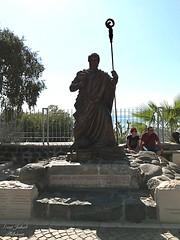 6 - Kafarnaum - Szent Péter szobra / Kafarnaum - Socha sv. Petra