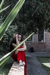 Suggestioni - La signora in rosso (spaceodissey) Tags: model modella red rosso 700d canon donna woman dress vestito allaperto openair