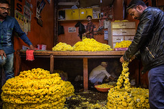 Flower market in Mysore (puuuuuuuuce) Tags: india flowers mysore market