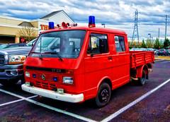 VW LT35 (creepingvinesimages) Tags: htt vw lt35 pickup truck outdoors parkinglot sherwood oregon samsung galaxy s7 pse14 topaz