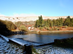 Blaen Bran Reservoir, Upper Cwmbran 8 December 2017 (Cold War Warrior) Tags: reservoir snow cwmbran