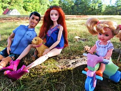👩‍👦Watching over me💕 (flores272) Tags: outdoors princecharming madetomovebarbie toydog littletikes petitebarbie kittycute toy toys doll dolls funville sparklegirlz dollclothing