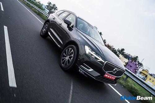 2018-Volvo-XC60-4