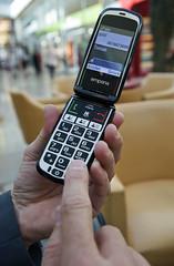 Emporia-Klapp-2017-2215 (Markus Koepf) Tags: emporia handy senioren seniorenhandy telefon telekommunikation telefonieren