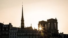 Dernieres_Lueurs (Justin.S.) Tags: blog couchersoleil facebook flickr france iledefrance instagram longexposure notredamedeparis paris poselongue publiee soleil sun sunset