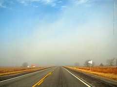 Sunny but foggy along US-50, 19 Feb 2017 (photography.by.ROEVER) Tags: kansas trip roadtrip 2017 february february2017 chasecounty drive driving driverpic westbound us50 highway50 sun fog foggy morning road highway usa