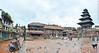 Bhaktapur, Nepal. (RViana) Tags: nepali nepalese nepalês nepalesa southasia 尼泊爾 尼泊尔 نيبال 네팔 नेपाल ネパール נפאל непал bhaktapurdurbarsquare khwopa bhadgaon rain rainy cloud chuva chuvoso nublado architecture style design arquitectura estilo diseño larchitecture lestyle laconception architektur stil arquitetura