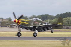 North American P-51D Mustang 44-13318 (Newdawn images) Tags: northamericanp51dmustang4413318 northamericanp51dmustang p51dmustang northamerican p51d mustang 4413318 warbird wwiifighters wwii fighter frenesi aviation aircraft airplane aeroplane airshow airdisplay plane raffairford riat canoneos6d canonef500mmf4lisusm