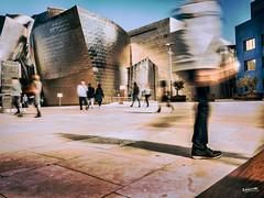 Guggenheim_OrangeTeal (Ragonar) Tags: expolite orange teal tealorange lumixgvario14140mm lumix lumixgh4 14140mm panasonic bilbao euskadi paisvasco ragonar urbanphoto urbanart urbancity urbanstreetlife streetphotography streetstyle orangeteal guggenheim longexpolite longexposure exposure largaexposición