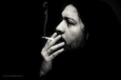 Piensa/Think (José Galdames C) Tags: cigarro cigarret kill pensar think bw noir blancoynegro portrait monochcromo monocromo black