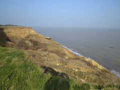 Clifftop at Walton On The Naze (Ian Press Photography) Tags: walton naze essex sea seaside coast coastal clifftop cliff cliffs