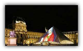 Série Pyramide du Louvre : N° 5