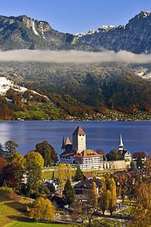 Spiez Castle and the Niederhorn .15.11.17, 13:23:07 . No. 993.