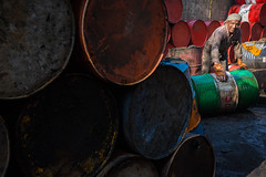 Recycling barrels in Kochi (puuuuuuuuce) Tags: india kochi factory barrel