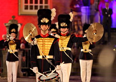 Don't... (Mattijsje) Tags: dont boem pats kleng music band taptoe istanbul uniforms uniform drummerboy drum cymbals cymbalen trumpet zeist mayor burgemeester major