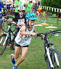 Let's go! (Cavabienmerci) Tags: kids triathlon vevey 2017 corseaux sur switzerland suisse schweiz kid child children boy boys run race runner runners lauf laufen läufer course à pied sport sports running triathlete
