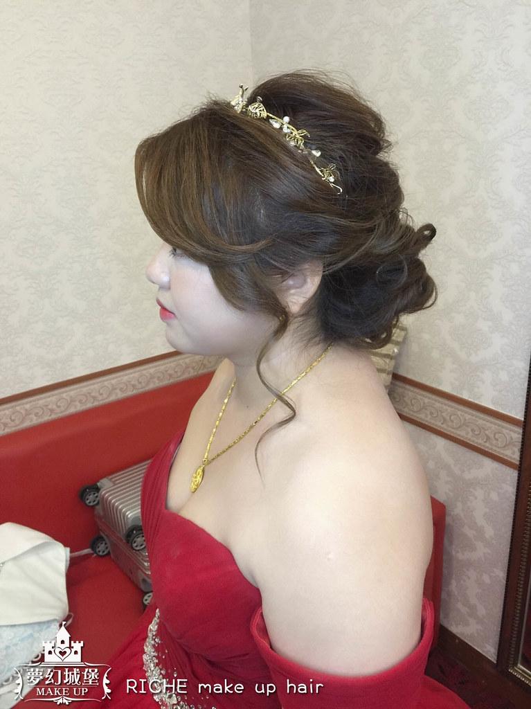 【新秘RICHE】bride馨儀 訂婚造型 / 嘉義滿福樓