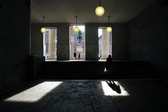 La terza via (meghimeg) Tags: 2017 genova ingresso hall donna woman controluce backliight lampade lamps ombra shadow sole sun piazza square
