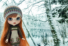 ❄💙😊💙❄ And the winter is back! #blythe #customblythe #customdoll #crochet #crochetdollclothes #dollclothes #grannysquare (Dolliina) Tags: crochet customdoll crochetdollclothes grannysquare dollclothes customblythe blythe