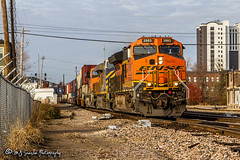 BNSF 3985 | GE ET44C4 | BNSF Thayer South Subdivision (M.J. Scanlon) Tags: bnsf3985 ge et44c4 bnsf bnsfrailway bnsfthayersouthsub burlingtonnorthernsantafe burlingtonnorthernsantaferailway intermodal container doublestack memphis tennessee tree sky digital merchandise commerce business wow haul outdoor outdoors move mover moving scanlon canon eos engine locomotive rail railroad railway train track horsepower logistics railfanning steel wheels photo photography photographer photograph capture picture trains railfan