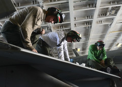 171106-N-UD618-071 (SurfaceWarriors) Tags: ussnimitz cvn68 aircraftcarrier usnavy deployment southchinasea