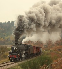 Carters house (feroequineologist) Tags: 44806 black5 lms nymr northyorkshiremoorsrailway railway train steam