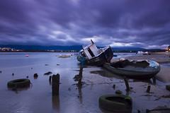 Tyres (jaocana76) Tags: ruedas neumaticos barcos barca atardecer sunset nubes clouds cloudy nuboso palmones riopalmones rio river losbarrios campodegibraltar estrechodegibraltar straitsofgibraltar canon1635 jaocana76 canoneos7d