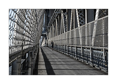 Caged (Nico Geerlings) Tags: ngimages nicogeerlings nicogeerlingsphotography manhattanbridge pedestrianwalkway nyc ny usa newyorkcity eastriver bridge brooklyn manhattan contrast contrasts
