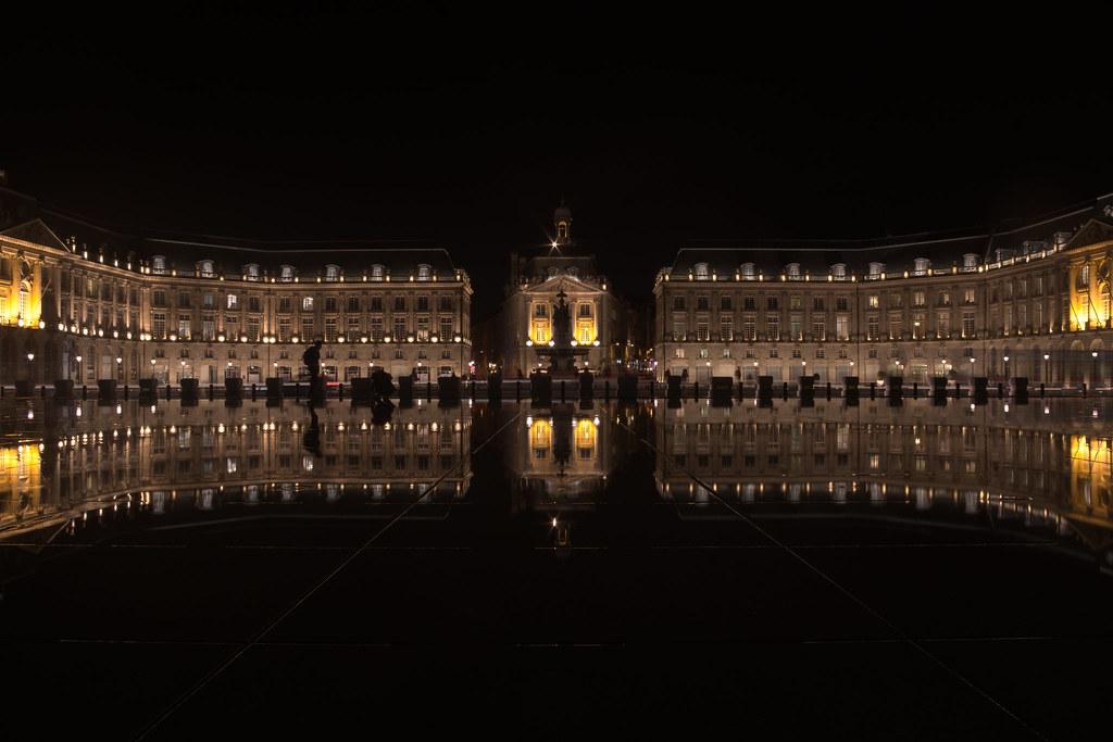 The world 39 s best photos of miroirdeau and nuit flickr for Miroir d eau nantes