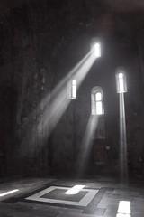 Tatev - monastère 1 (luco*) Tags: arménie armenia tatev monastère monastery monastir lumière light fenêtres windows flickraward flickraward5 flickrawardgallery
