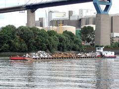 2415 (ENI 05603810) (Parchimer) Tags: schubboot pushboat towboat pousseur pchacz duwboot spintore empurradorfluvial binnenschiff tolómotorhajó pushertug hamburg elbe köhlbrand hafen