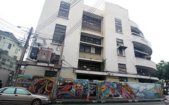 24- Day 8- graffiti near Khao San Rd- 3 (_gem_) Tags: travel bangkok thailand asia southeastasia khaosan khaosanroad graffiti streetart architecture building design city street urban