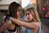 Alba&Rocio-40 (BertoMar) Tags: pãºrpura chica chicas gorra tirantes gunsandroses vans gafasdesol rubia atardecer valladolid nikon castaña