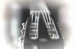 J'ai la guitare qui me démange (Vicky Bella) Tags: macromondays memberschoicemusicalinstrument guitar