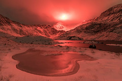 'In Distress' - Snowdon Horseshoe (Kristofer Williams) Tags: snowdon snowdonia snow winter night mountainrescue distressflare llanberismountainrescue wales llynllydaw astrokeofluck