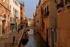 Venice : Rio di San Felice (Pantchoa) Tags: venise italie vénétie canal rio riodesanfelice fondamentasanfelice nikon d7200 eau pont quai bateau barque église sanfelice 1685mmf3556 sanpolo architecture