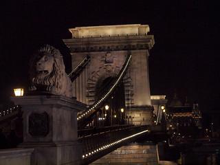 Budapest chain bridge night