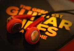 play it loud (try...error) Tags: macromondays stone earphone zone stonerhymingzone guitar