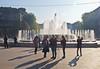 Handies / Mobiles (schreibtnix on 'n off) Tags: reisen travelling italien italy mailand milan piazzacastello brunnen fountain menschen people schatten shadows handies mobiles olympuse5 schreibtnix
