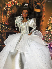 Happy Holidays Barbie 1992 (alenamorimo) Tags: barbie barbiedoll doll barbiecollector holiday christmas