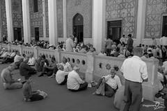 Shiraz (viaggiatoreda2soldi.it) Tags: iran touriran mediooriente medioriente asia gente people persone viso visi ritratti ritratto portrait biancoenero blackandwhite shiraz