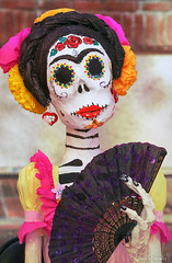 Noche de Altares 2017, Santa Ana 11.4.17 17 (Marcie Gonzalez) Tags: ca socal so cal orange county southern festival celebration festivals celebrations day dead dia de los muertos diadelosmuertos tradition traditional honor family friends noche altares nochedealtares night dance dancing festive fun annual event events mexico mexican altar costume costumes paint painted face skull skeleton 2017 dayofthedead dancer dancers north america cultural usa us marcie gonzalez marciegonzalez marciegonzalezphotography photography canon 2017nochedealtaressantaana nochedealtaressantaana altars calif california día