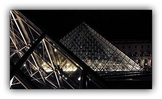 Série Pyramide du Louvre : N° 8
