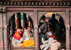NEPAL - PEOPLE NR16 (TONY-BUENO - Barcelona) Tags: canon eos 35350 35350ef3556 5d 5dmkii 5dmk2 nepal kathmandu travel people viajar retrato portrait