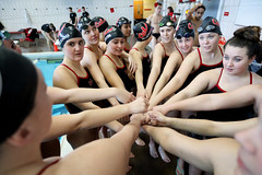 20171202-swimming-team-fists-together-7K0A0957