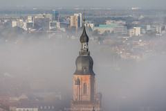 The Top of the Church - October 2017 IV (boettcher.photography) Tags: heidelberg deutschland germany badenwürttemberg oktober october herbst autumn fall 2017 sashahasha boettcherphotography boettcherphotos city stadt mist misty nebelig nebel fog foggy oldtownofheidelberg heidelbergaltstadt church kirche kirchturm churchtower tower turm skyscrapers hochhaus srhschlumpftower