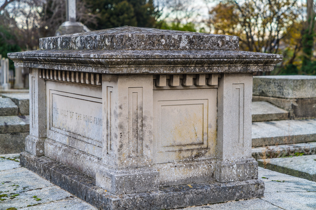 MOUNT JEROME CEMETERY IS AN INTERESTING PLACE TO VISIT [IT CLOSES AT 4PM]-134288